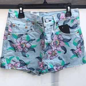 New 501® HIGH RISE FLORAL SHORTS